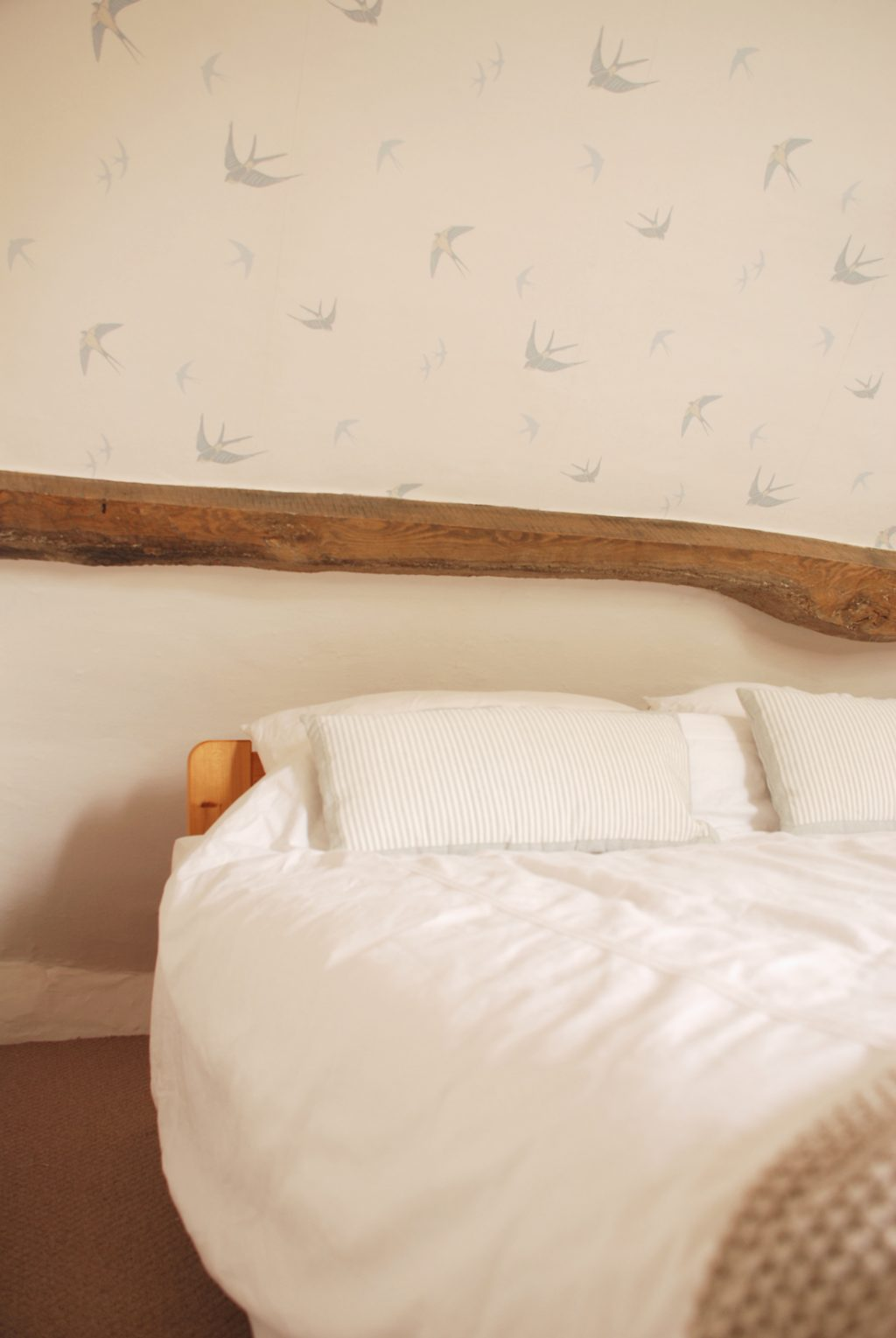 Laura Ashley Bedroom Wallpaper Our Happy Home A Bedroom Makeover Wallpapering A Ceiling The