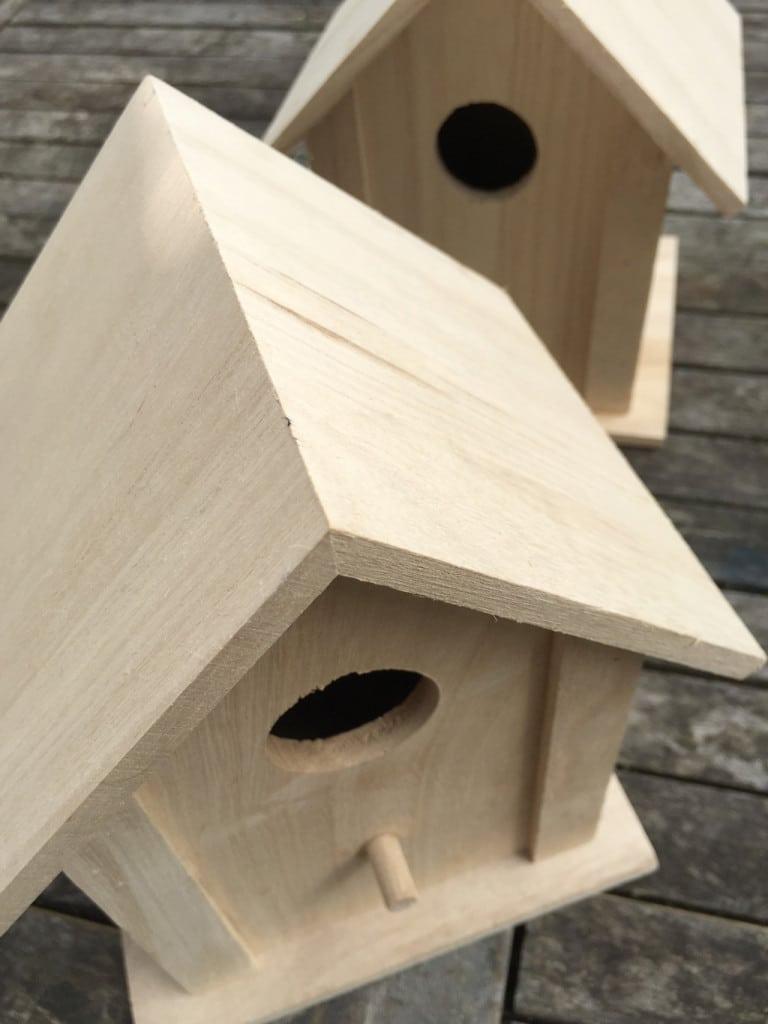 Making a beach hut birdhouse