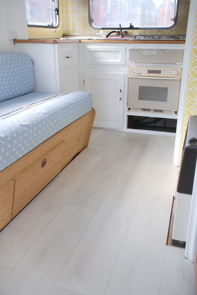 Laying Laminate Flooring in a Caravan — Looks so much better!