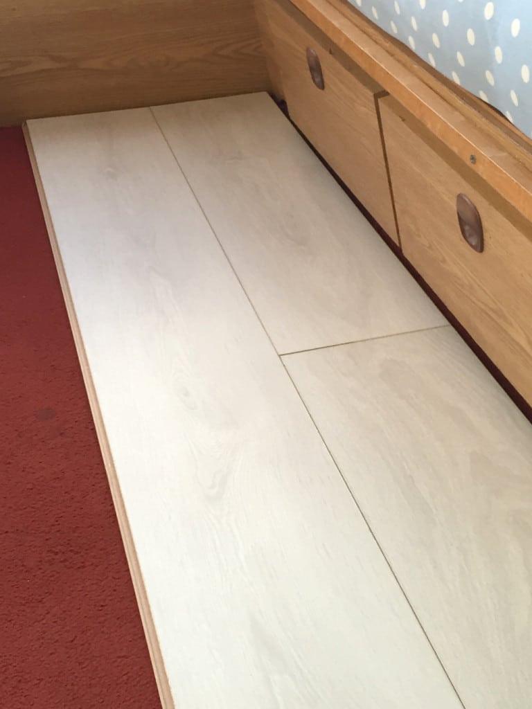 Laying Laminate Flooring in a Caravan