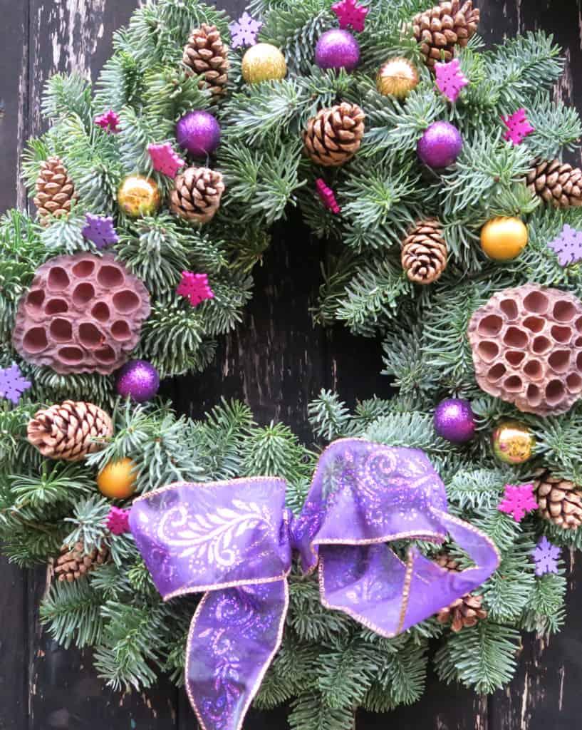 christmas-tree-shopping-wreath