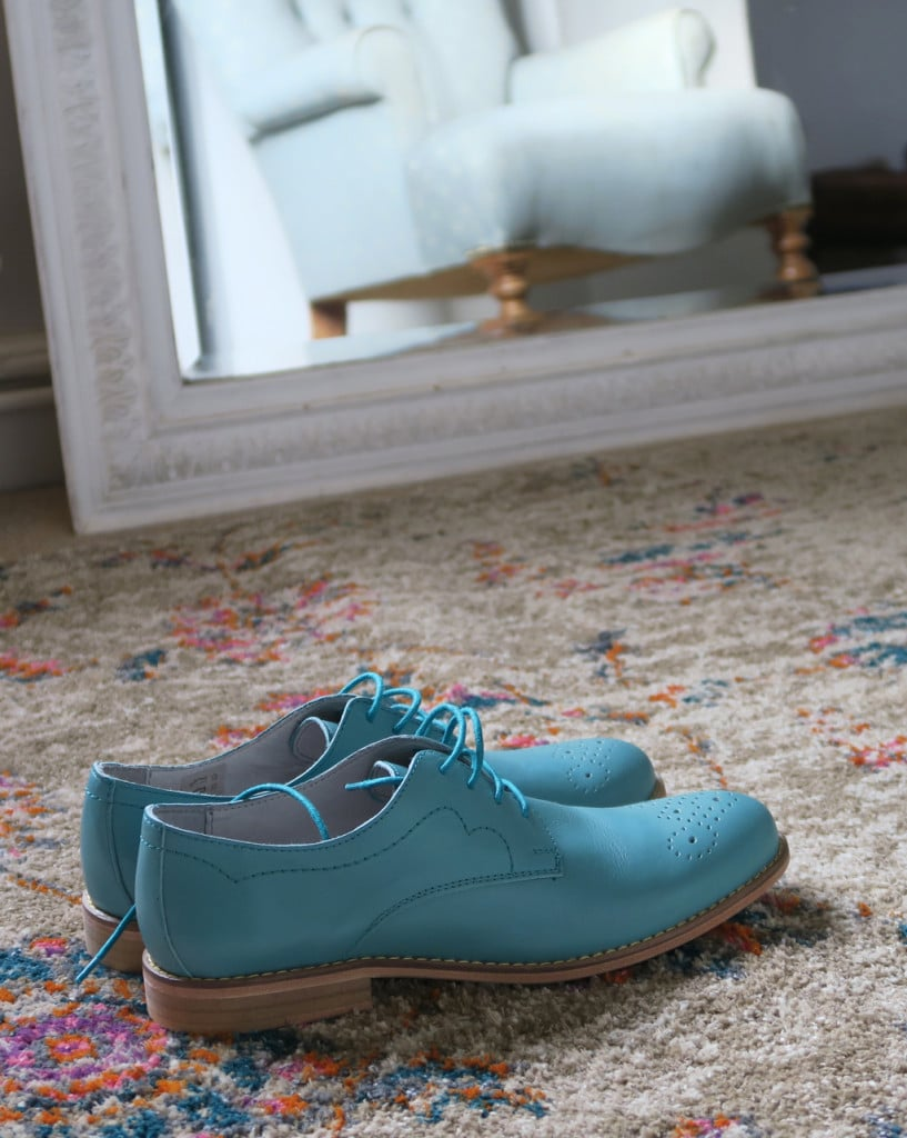 dressing_room_rug_and_shoes