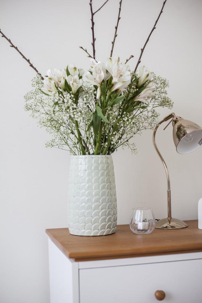 bedroom_vase