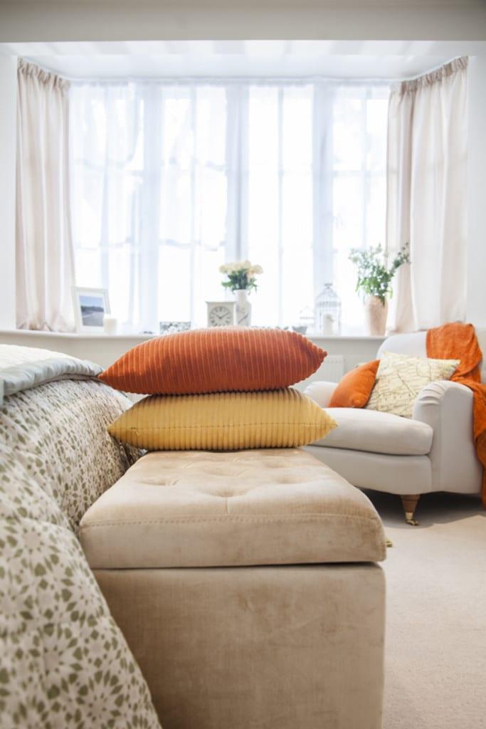 bedroom_cushions