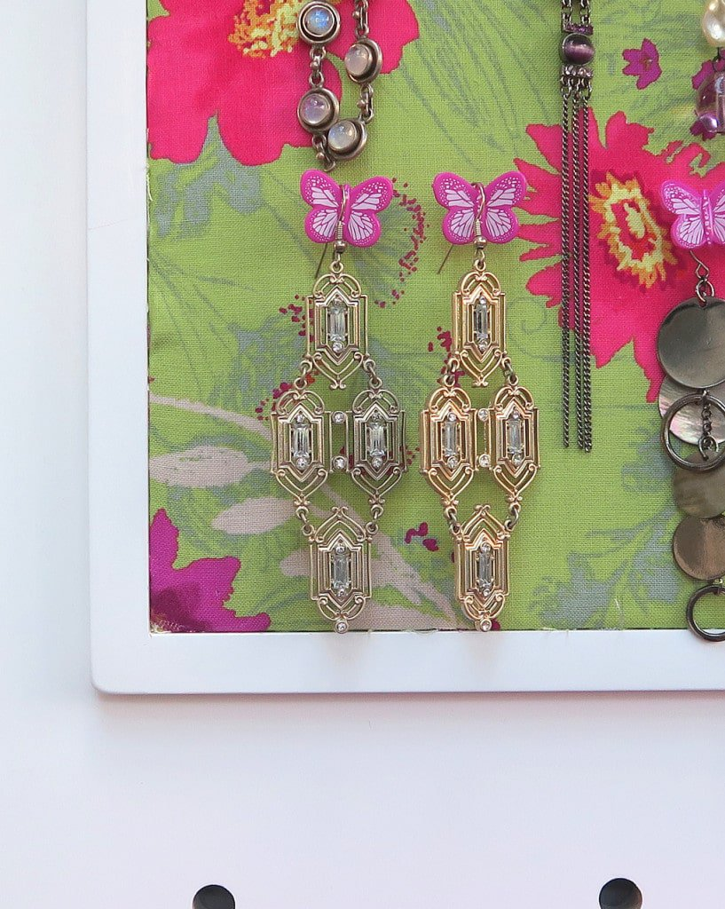 This stylish pegboard from GLTC  is the perfect jewellery organiser!
