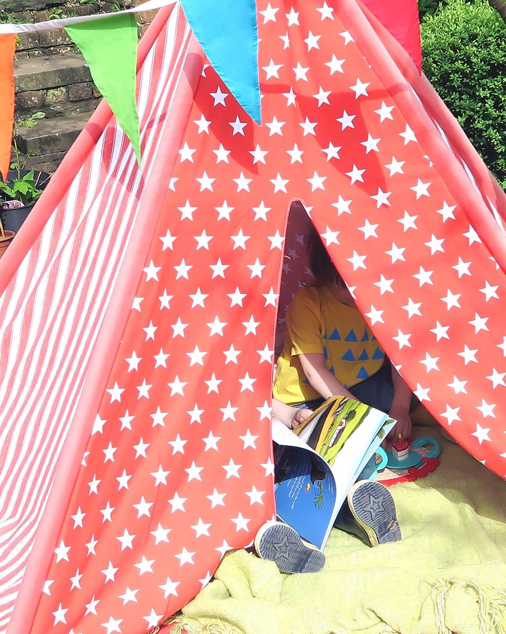 squash-and-a-squeeze-in-the-teepee