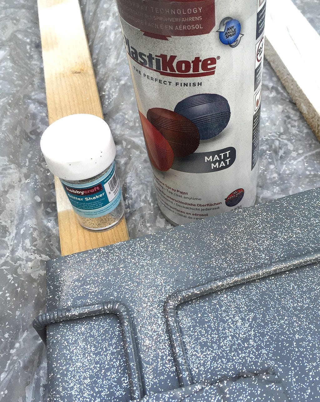 how-to-make-a-rocketpack-glitter-and-spray