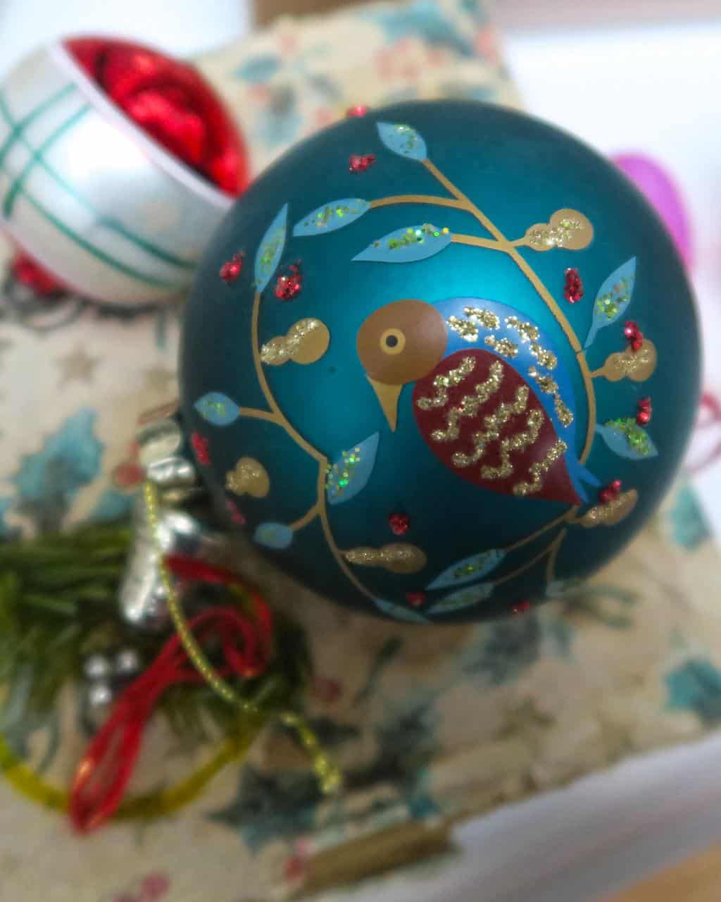 This isn't a vintage bauble, it's my newly purchased bird decoration