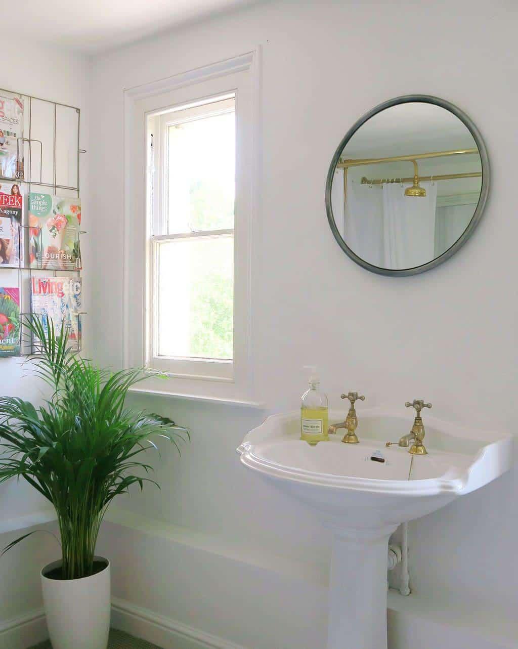 5 tips for a simple bathroom makeover by The Twinkle Diaries
