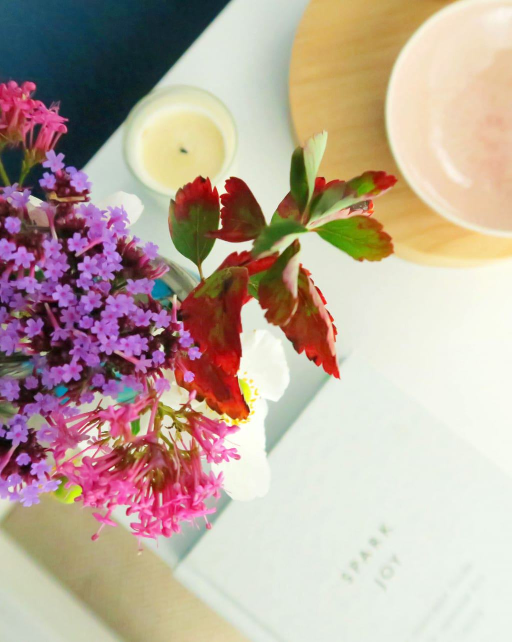 A colourful bedroom makeover | Autumn flowers