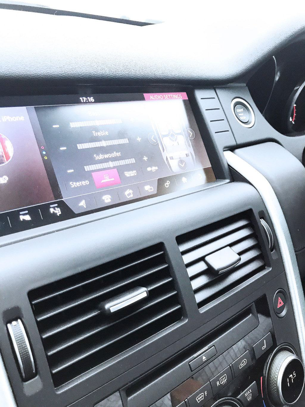The  Discovery Sport HSE LUX dashboard