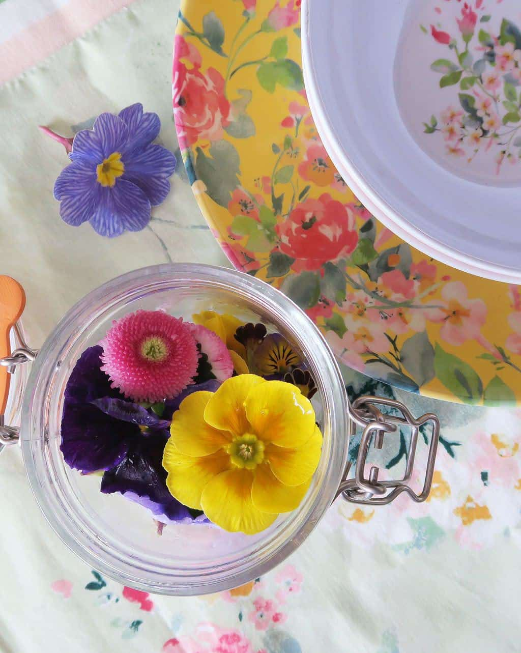 Edible flowers from Delicately Edible plus Spring Florals melamine tableware from Laura Ashley