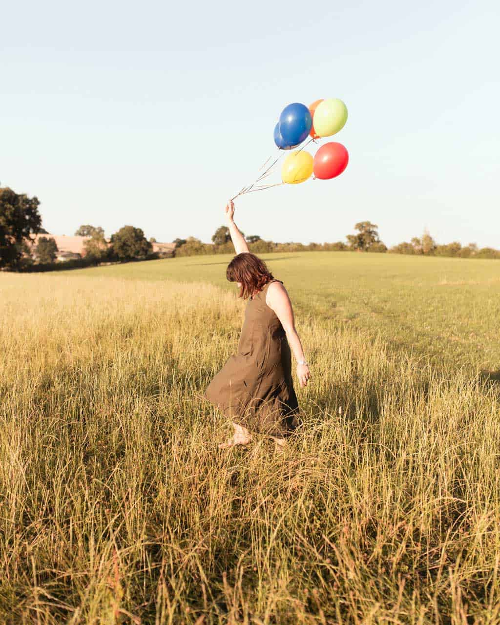 Carrying balloons for a blog birthday