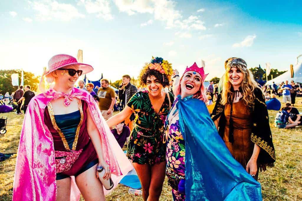 Shiny happy people at Bluedot 2017