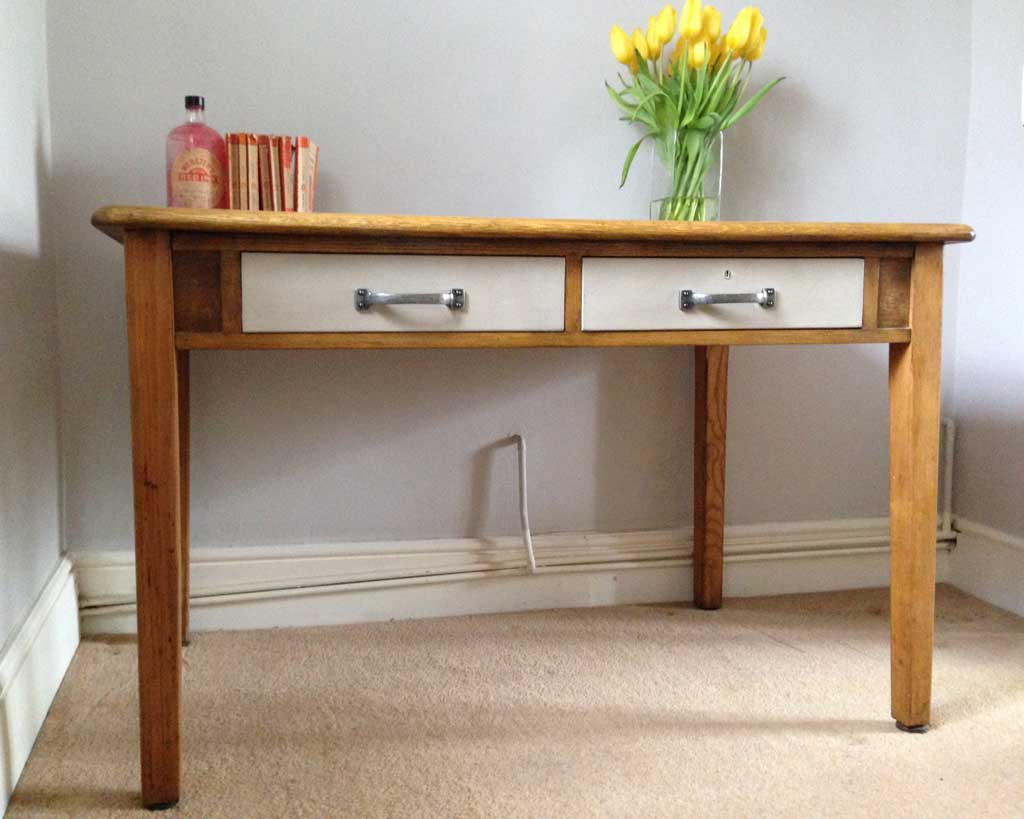 How to upcycle an old desk